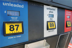 Vero Beach gas prices are dropping.