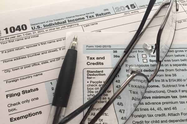 Looking at Vero Beach tax deductions for late filers for 2015